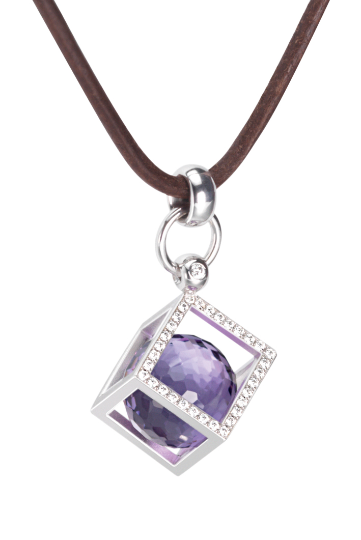 square pendant with diamond and a violet stone from Furrer Jacot