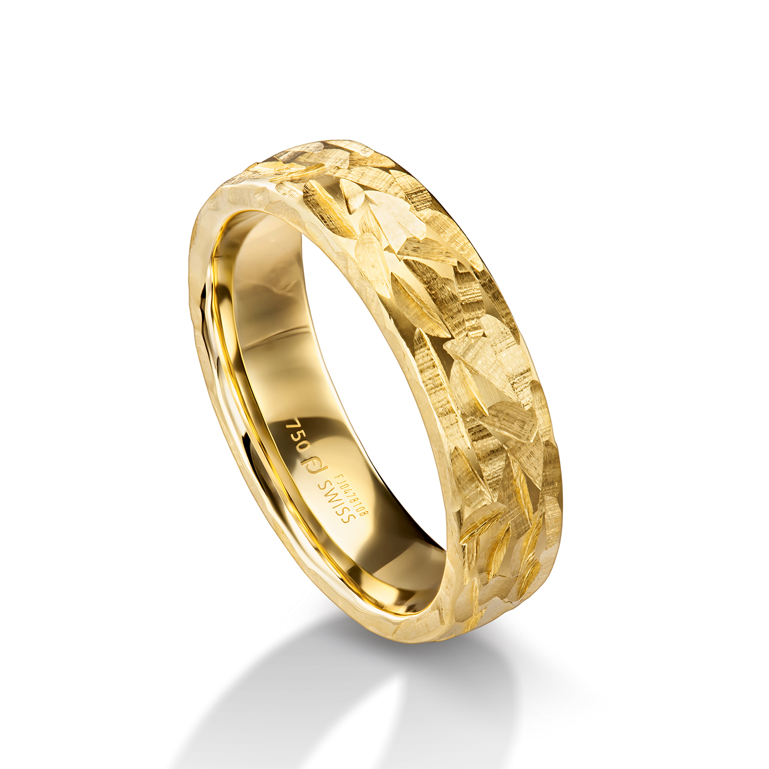 Man's world ring in yellow gold